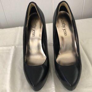 Cathy Jean black leather platform heels size 7